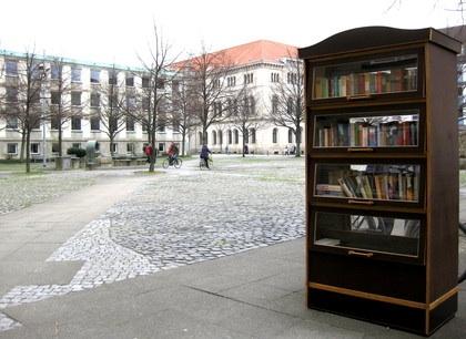 Bücherschrank_ok